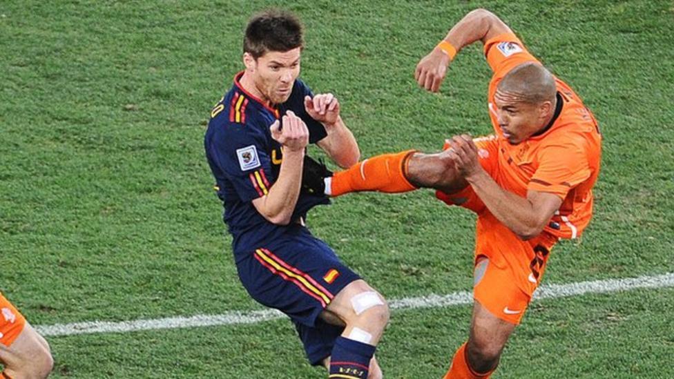 World Cup moments: 'Karate kick' - BBC Sport