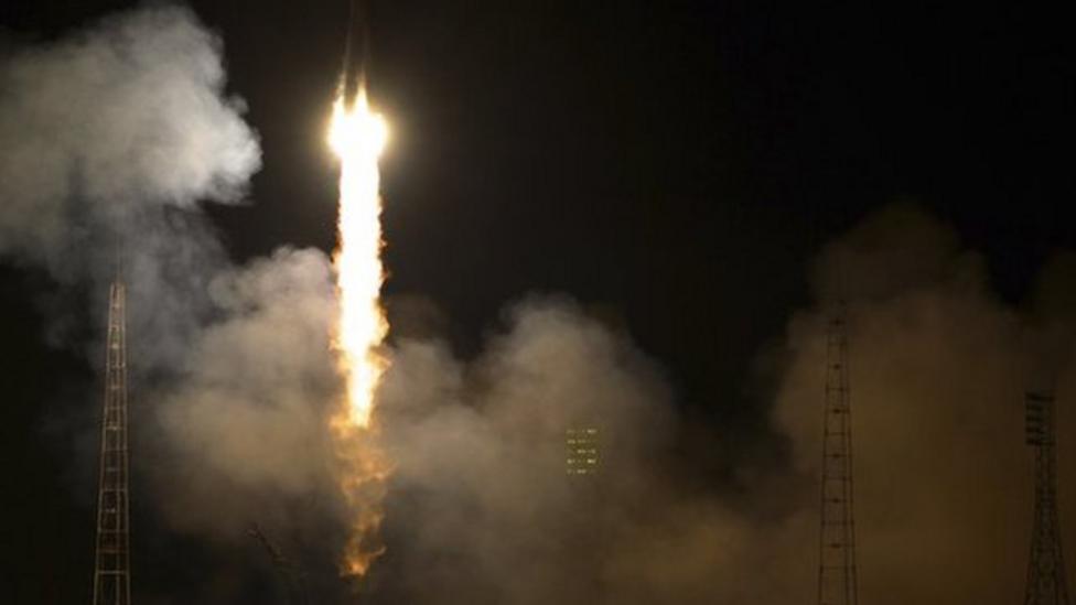 Soyuz blasts off for Space Station