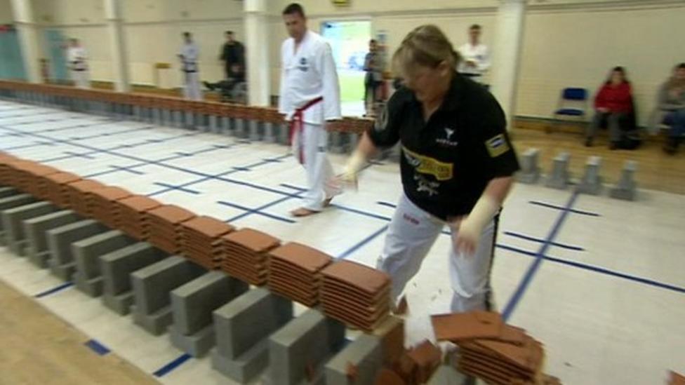 Taekwondo champ smashes 1,000 tiles
