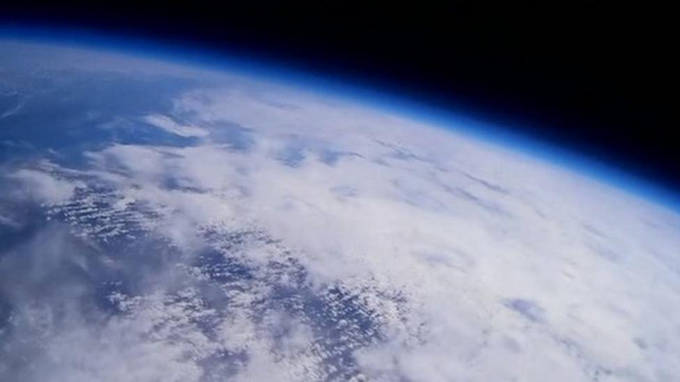 Kids send balloon to 'edge of space'