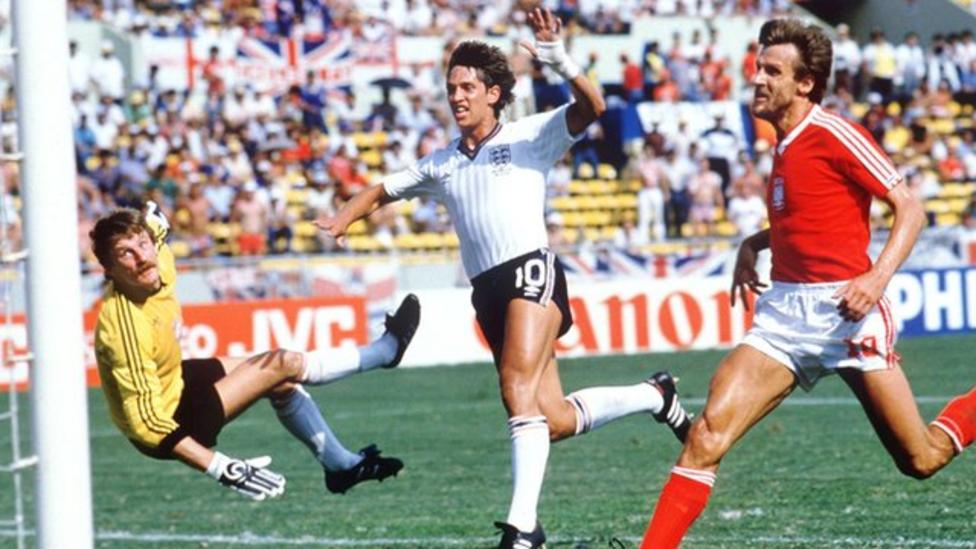World Cup moments  Lineker s hat-trick - BBC Sport eabefadcdcd