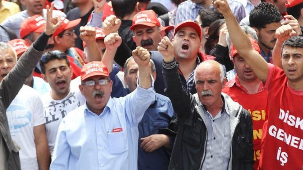 Turkey protests over mine tragedy