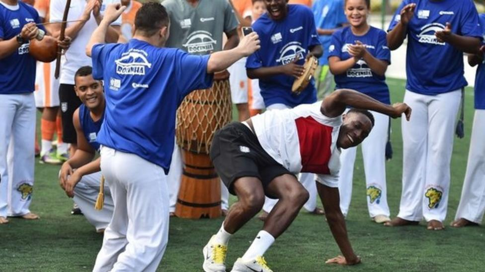 England squad dance Brazilian style
