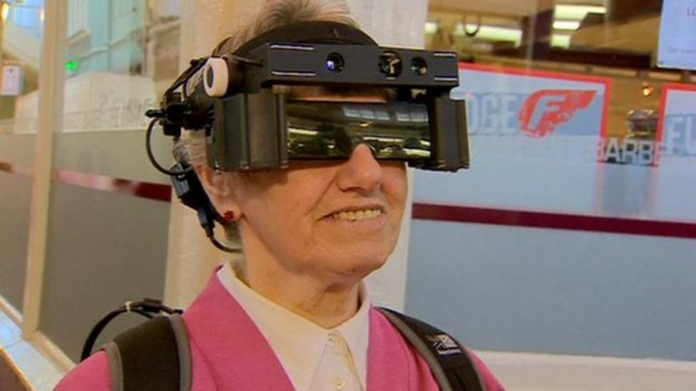 New 'smart' glasses in development