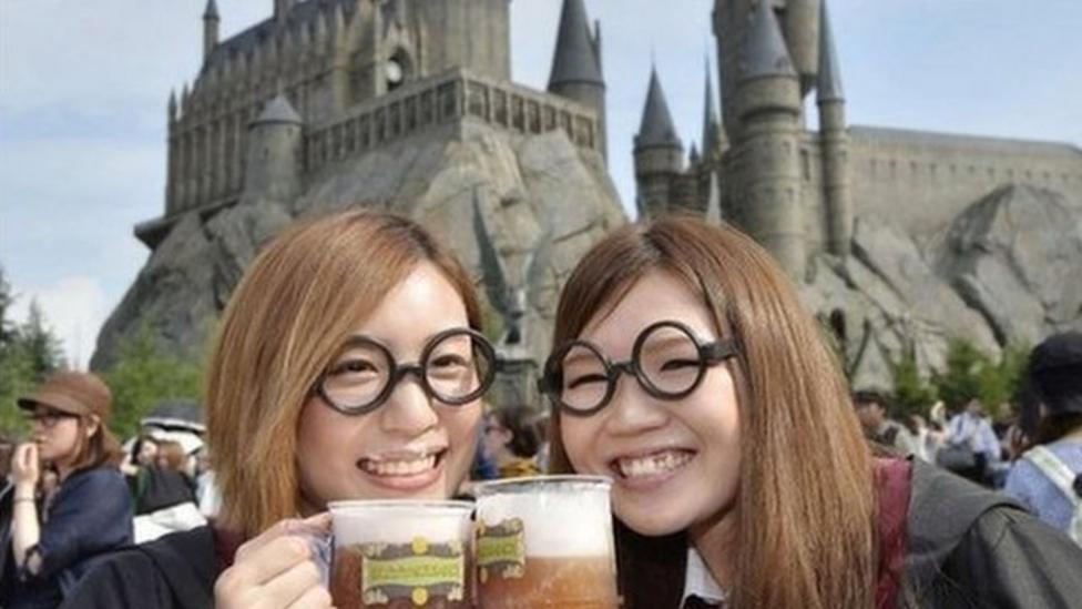 Hogwarts welcomes Japan's Potter fans