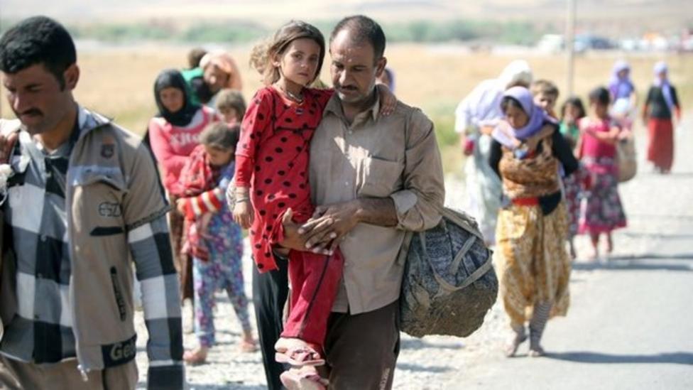 British planes drop aid in Iraq