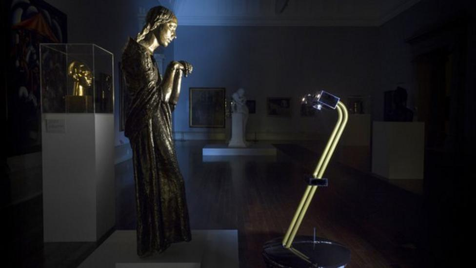 Robots turn art gallery tour guides