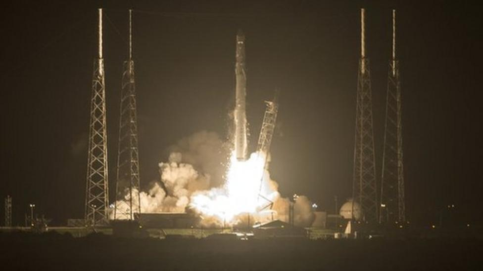 SpaceX rocket lifts off carrying 3D printer
