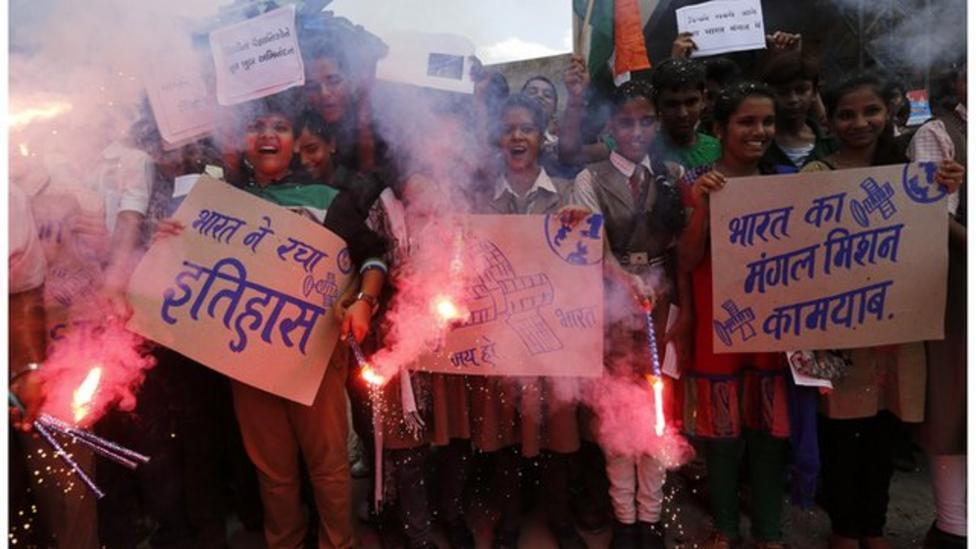 India celebrates spacecraft to Mars