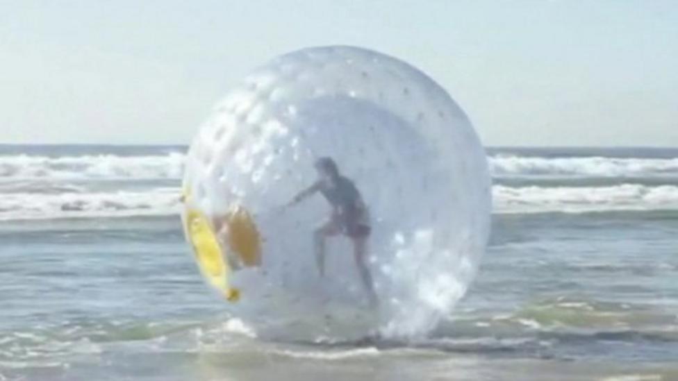 Man rescued from bubble in ocean