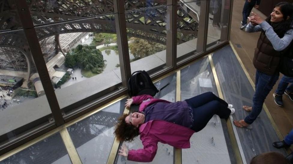 Eiffel Tower gets a glass floor