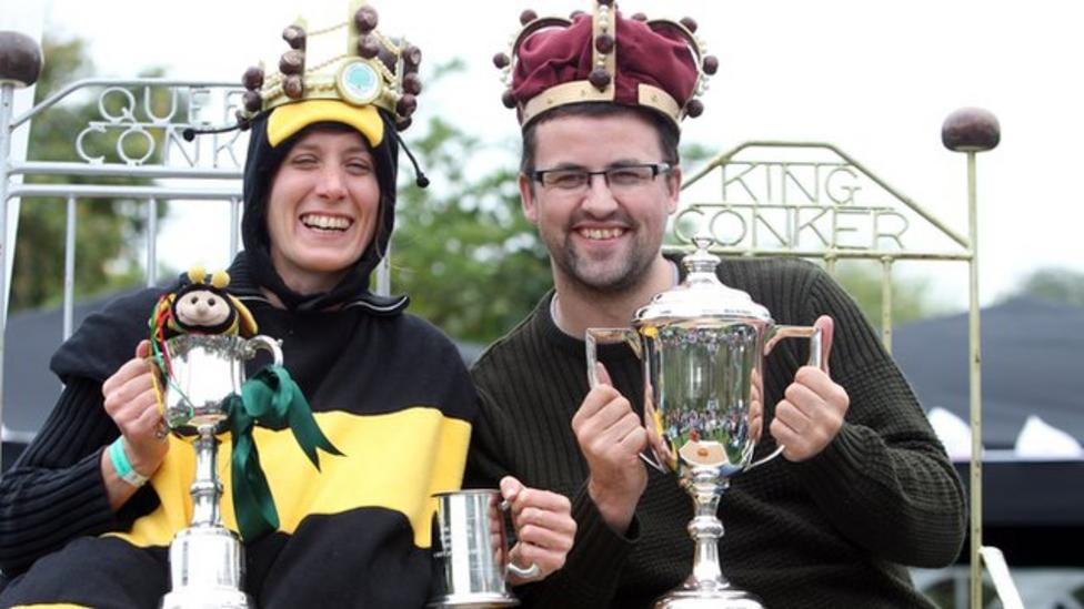 King of the conkers crowned