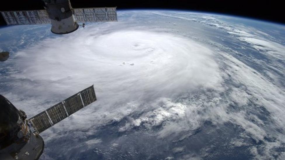 Hurricane Gonzalo hits Bermuda