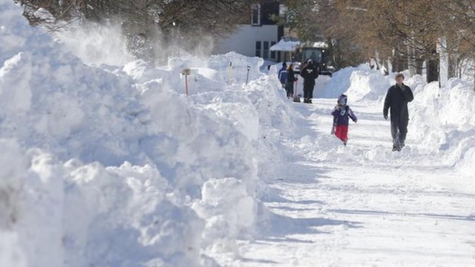 Flood fears in US as snowfall eases