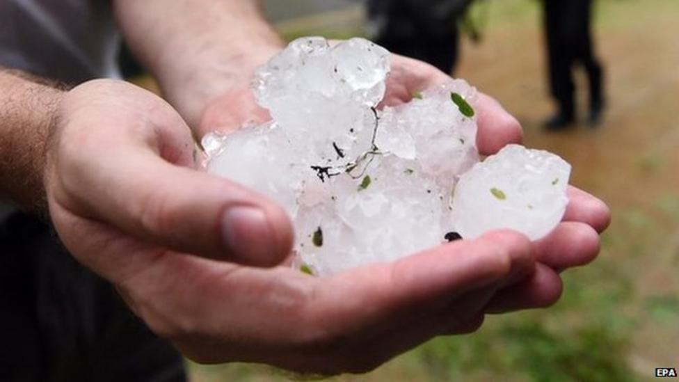Huge ice balls hit Australian city