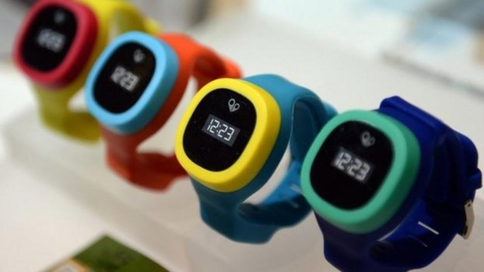 GPS watch tracks kids' movements