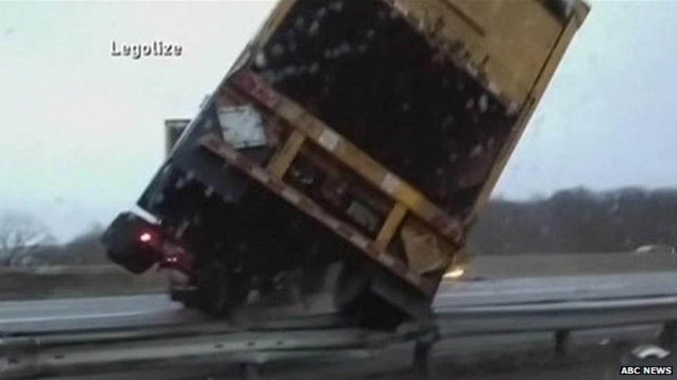 Lorry crash caught on camera