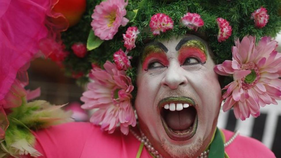 Colourful carnival kicks off in Brazil