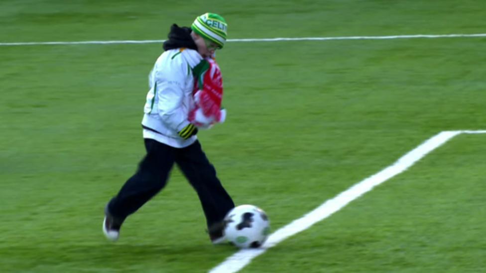 Young Celtic fan wins goal award