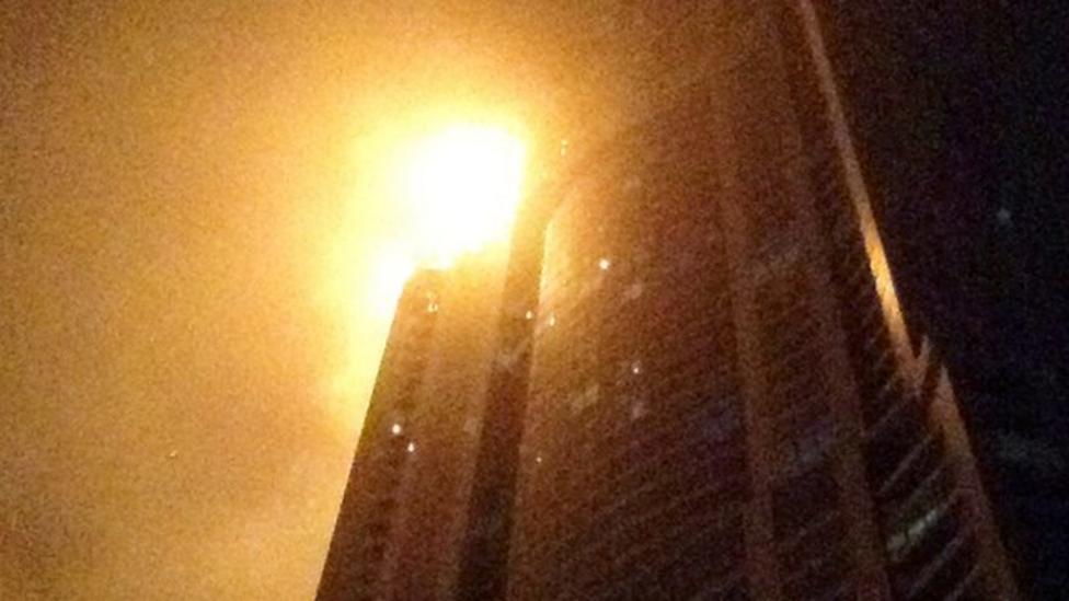 Fire damages skyscraper in Dubai
