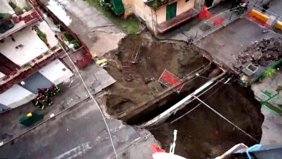 Huge sinkhole opens up in Naples