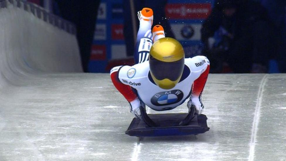 Lizzy Yarnold smashes track record