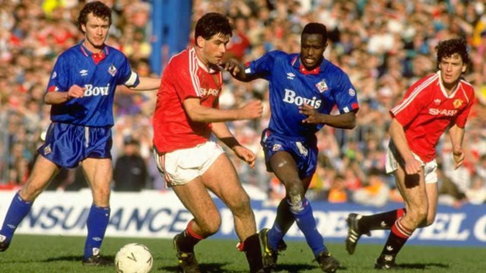 FA Cup 1990: Manchester United 3-3 Oldham Athletic (aet) - BBC Sport