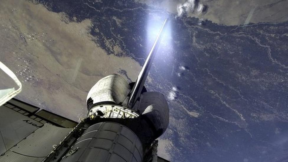 Could giant lasers zap space junk?