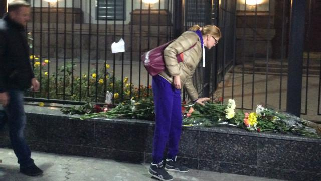 http://ichef.bbci.co.uk/wsimagechef/ic/640x360/amz/worldservice/live/assets/images/2015/10/31/151031152934_russian_embassy_kiev_640x360_bbc_nocredit.jpg