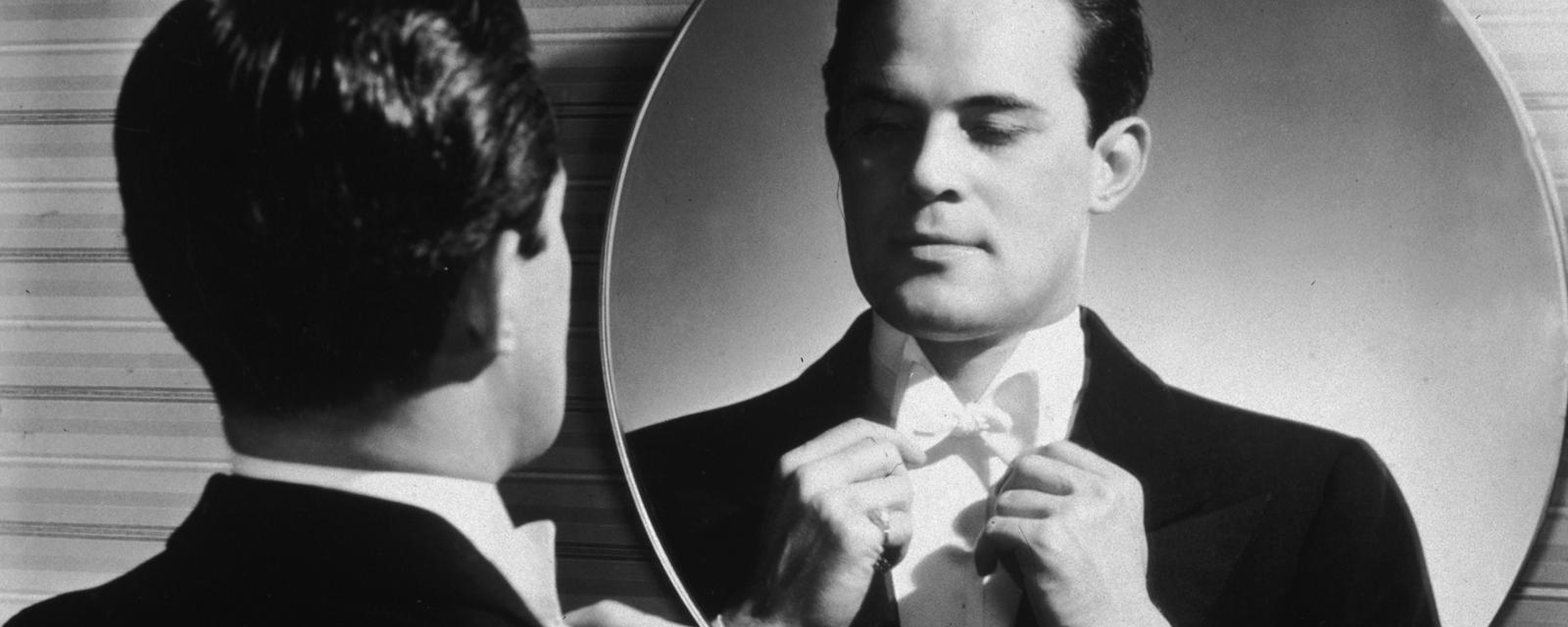 The warning signs you're working for a narcissist - BBC Worklife