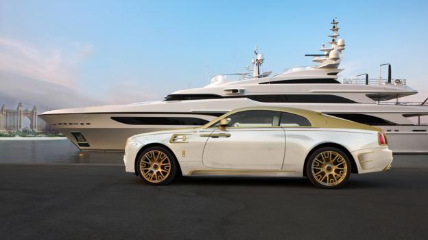 Gold Rolls Royce >> Bbc Autos Rolls Royce Heavy On The Gold