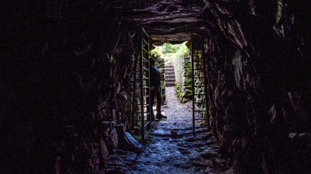 BBC - Travel - The mystery of England's ancient tunnels