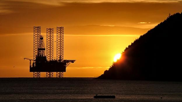 BBC - Future - What it takes to dismantle an oil rig