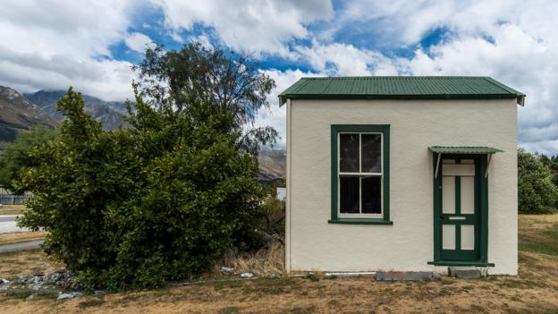 The 'dirty secrets' of tiny houses - BBC Worklife