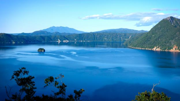Japan's mysterious 'lake of the gods'