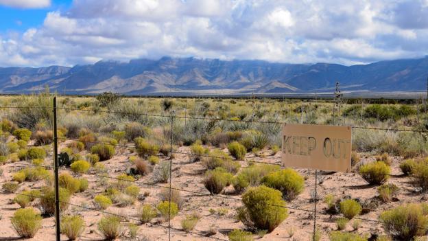An atomic marker hidden in plain sight