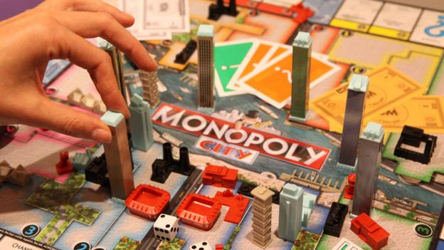 How to win Monopoly in the shortest possible time