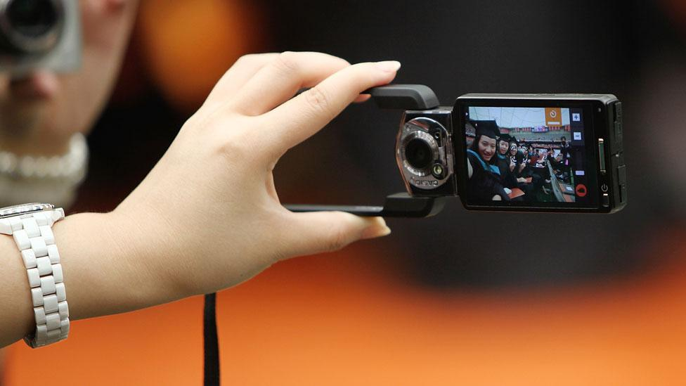 'Limit gadgets to take one photograph per day'
