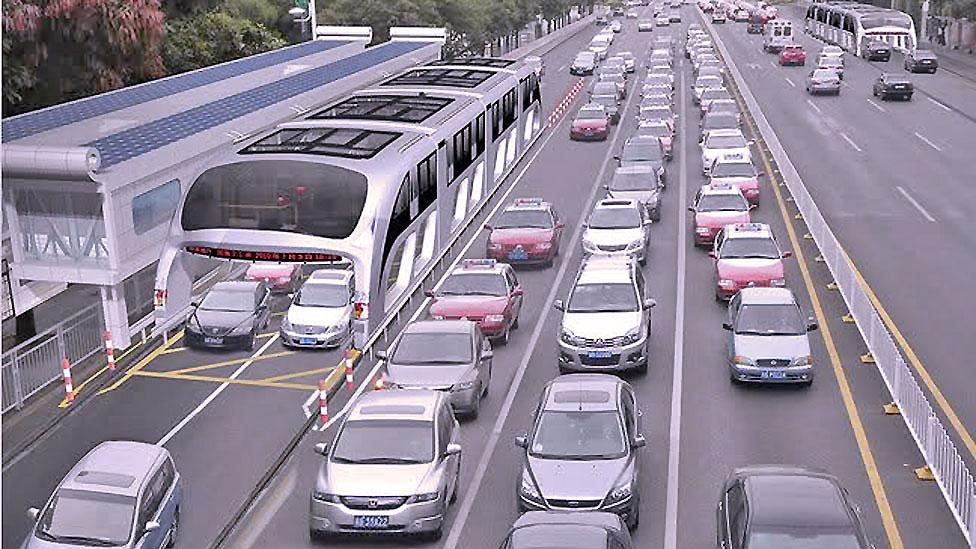 .In China, road users may share the tarmac with a bus which travels around them on special tracks, carrying passengers in a cabin above road traffic. (Copyright: Shenzen Hashi)