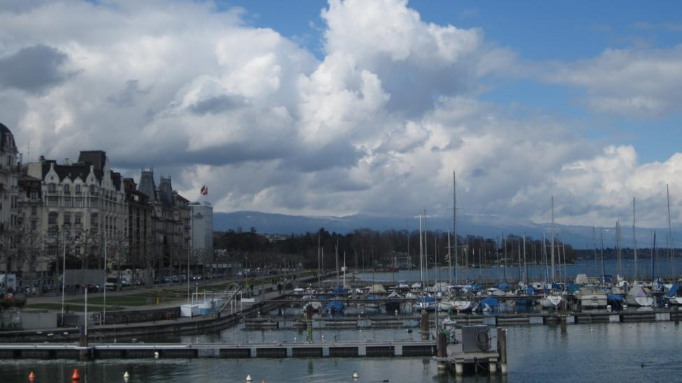 Visitors are rarely far from the waterfront, and numerous hotels face the harbour. (Ramsey Qubein)