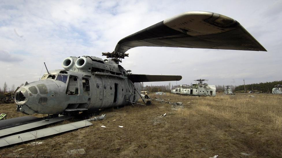 After the 1986 Chernobyl disaster, irradiated Soviet helicopters like this Mil Mi-6 were stored in a giant boneyard (Phil Coomes/BBC)
