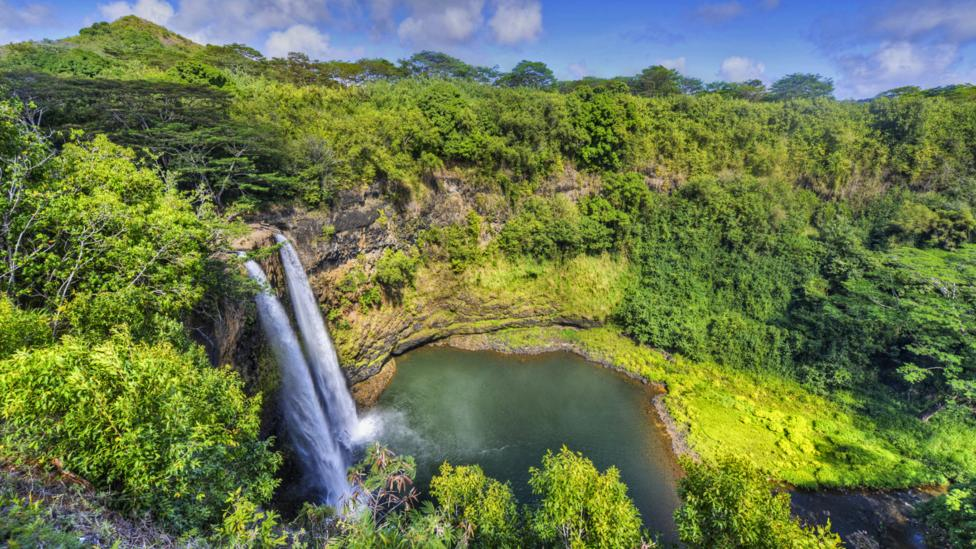 The Wailua falls at Kauai is bound to erase all the worries from work. (Thinkstock)