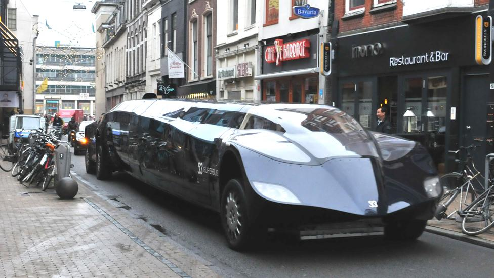 The Dutch Superbus concept looks more like a Batman movie prop than a bus (Credit: Spoorjan/Wikipedia CC BY-SA 3.0)