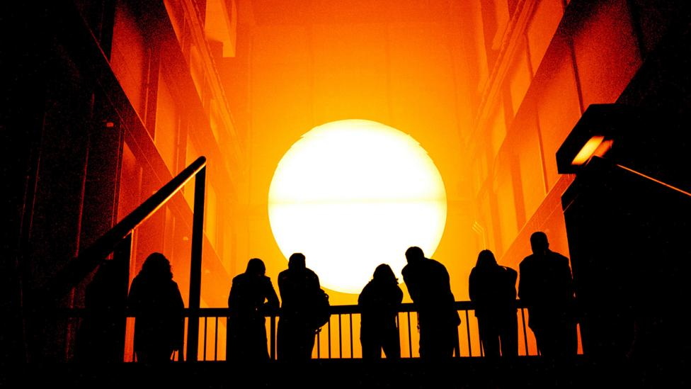 Olafur Eliasson's The Weather Project at Tate Modern (Credit: Alamy)
