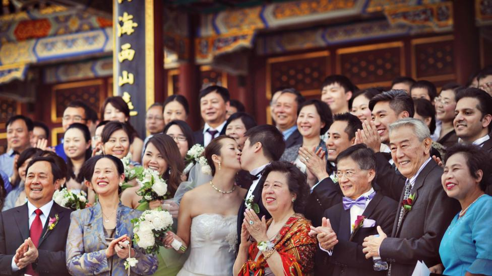 Couples now spend an average of $12,000 per wedding in China. (Credit: Weddings by Ling)