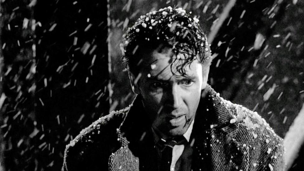 It's a Wonderful Life may be the best known alternate-history story on film – it images what would happen if one man hadn't been born (Credit: Paramount Home Media)