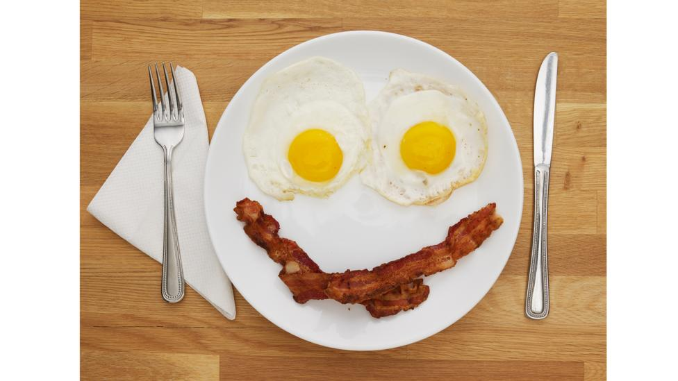 A simple smile can be enough to get diners paying more (Credit: Getty Images)
