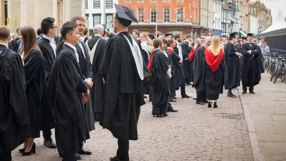 Fewer individuals from underprivileged backgrounds are admitted to Oxbridge (Credit: Alamy)