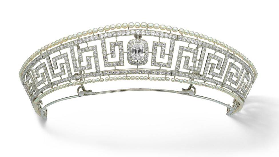 An elegant diamond and pearl tiara, previously owned by Lady Marguerite Allan, was saved from the Lusitania (Credit: Cartier)