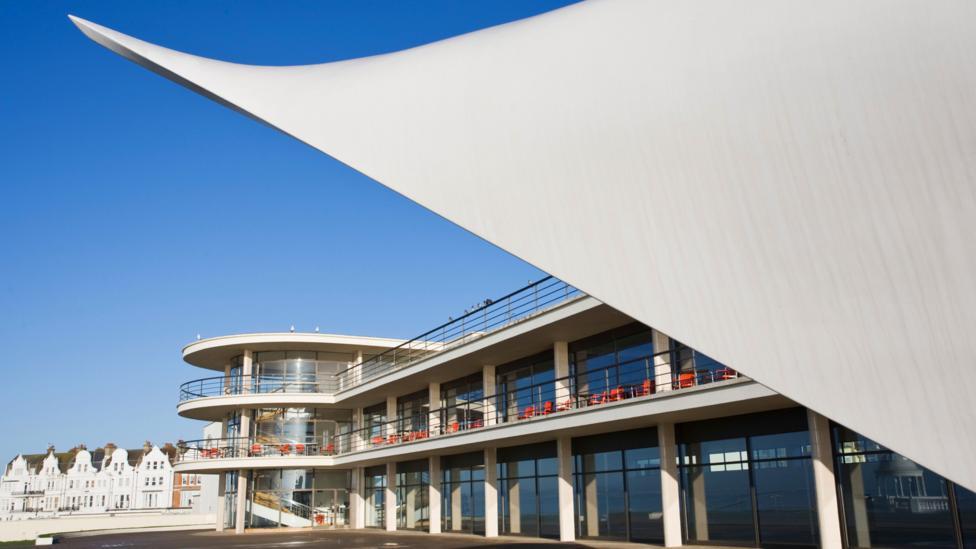 The influence of ocean-liner design can be seen in the clean lines of the elegant 1930s De la Warr Pavilion (Credit: Alamy)